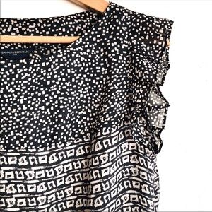 Banana Republic black and light gray printed top